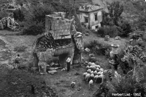 Boschi Sacri Parco dei Mostri Bomarzo Herbert List 1952 Etruscan Corner
